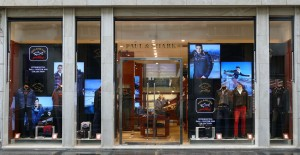 Paul & Shark Shop windows made by 3Gelectronics In italy