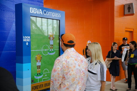 DailyDOOH » Blog Archive » MVP Interactive's Morphing Station Turns