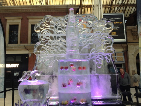 Kientic Carling Ice Sculpture