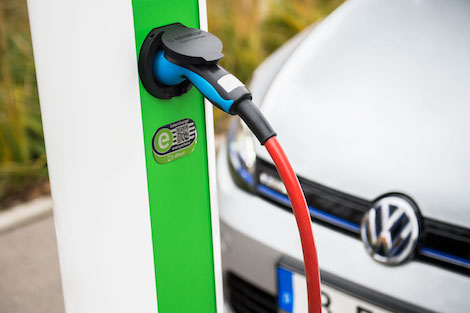 volkswagen-group-opts-for-charging-network-intercharge-hubject